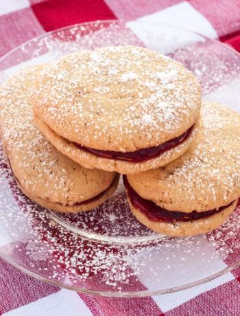 finnish spoon cookies on plate on napkin