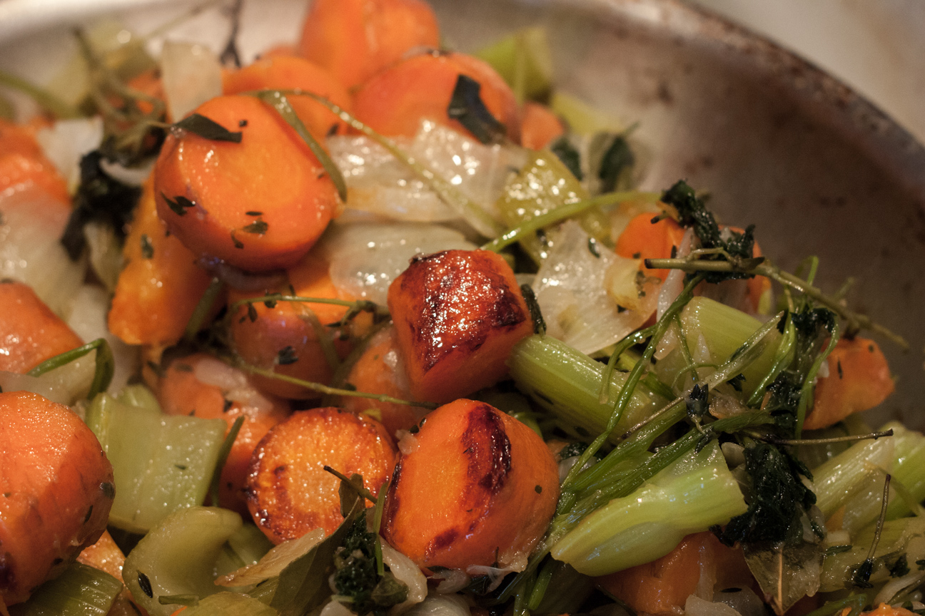 vegetables-sauteeing-in-pan