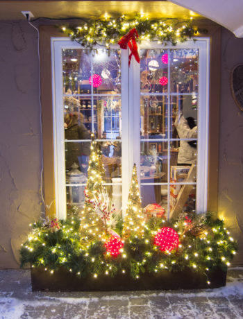 decorated window of Cabane Sucre in Mont Tremblant