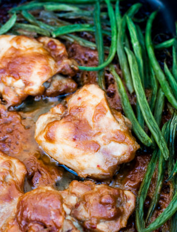 chicken thighs in peanut sauce with green beans