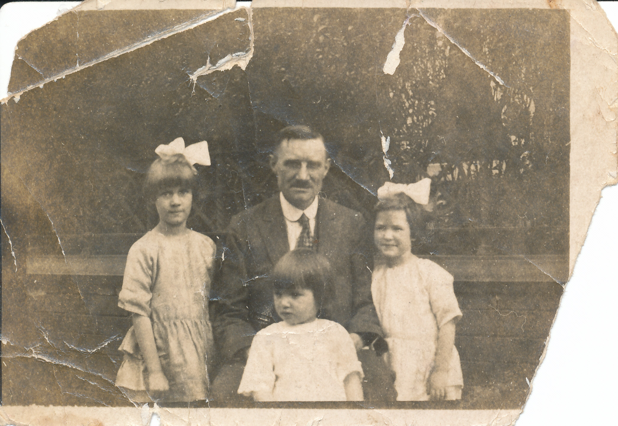 Mum, Peggy, Betty and their Dad